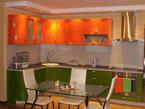 кухня на заказ с акриловыми фасадами