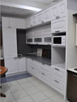 Кухня белая современного дизайна